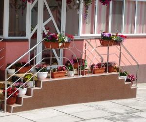 Balustrade de inox cu suport pentru flori